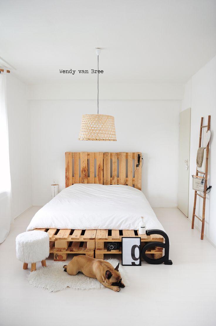 lits en palette : 20 tutos pour fabriquer une tête de lit avec des