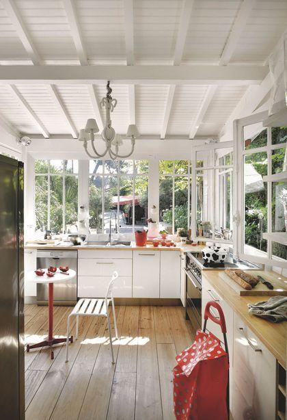Verri re cuisine maison de p cheur r nov e pour vacances en famille au cap ferret decoro 360 - Cuisine maison de famille ...