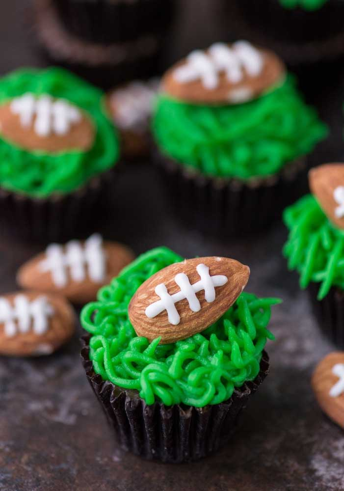 "Look at this idea: here, the cupcakes have ""grass"" and ""ball"""
