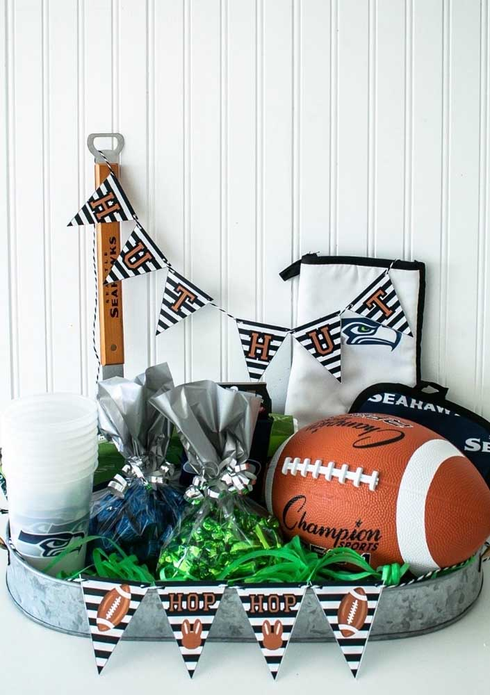 The football is undoubtedly the star of the Super Bowl Party decoration