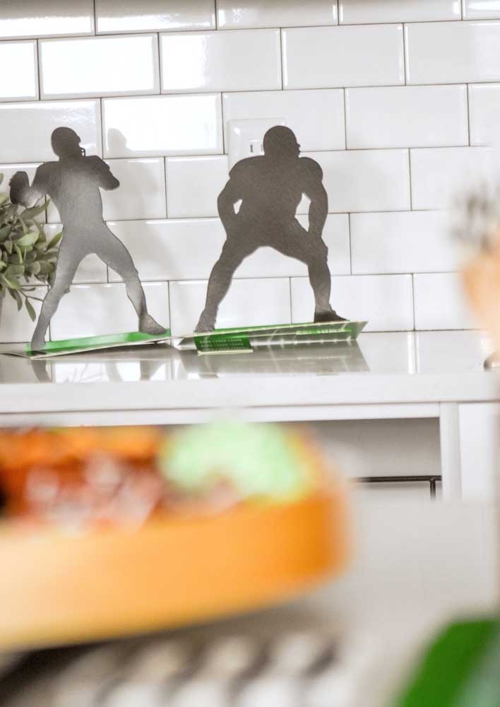 And what do you think of decorating the Super Bowl party with silhouettes of players?