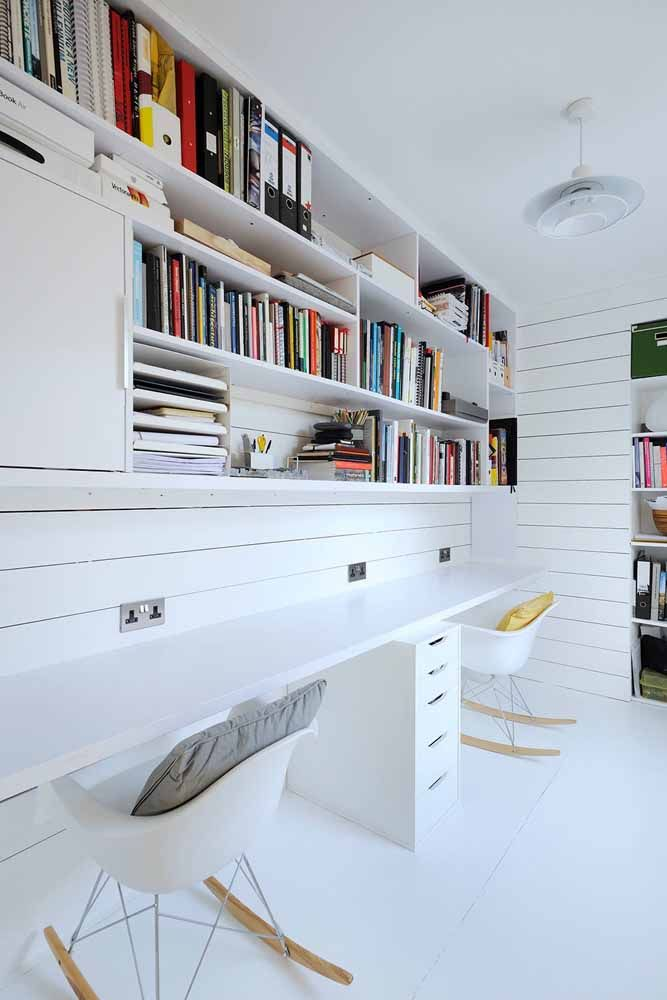 The environment is more clean and bright with the use of the white desk