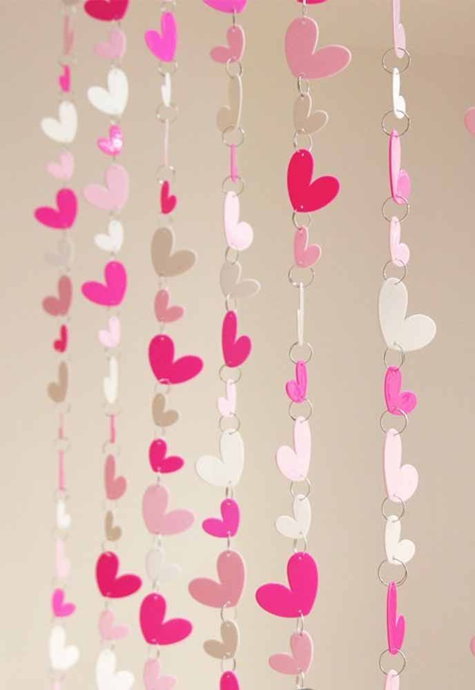 Don't you want to use thread for the heart curtain? How about using rings then?