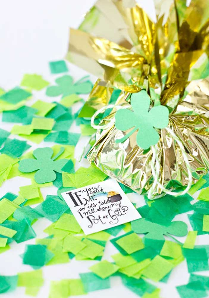 Surprise gift bag for guests to take home at the end of the St. Patrick's party