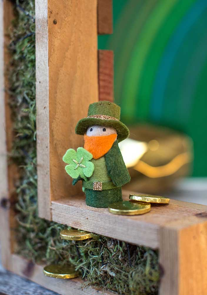Passionate that little felt leprechaun in the window!