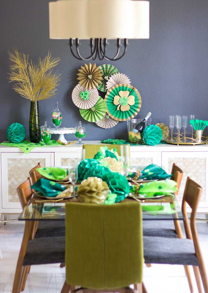 Intimate St. Patrick's party for a few guests, but no less decorated
