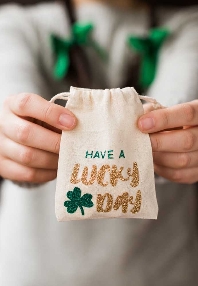 Have a nice day! That's what these Saint Patrick souvenirs suggest