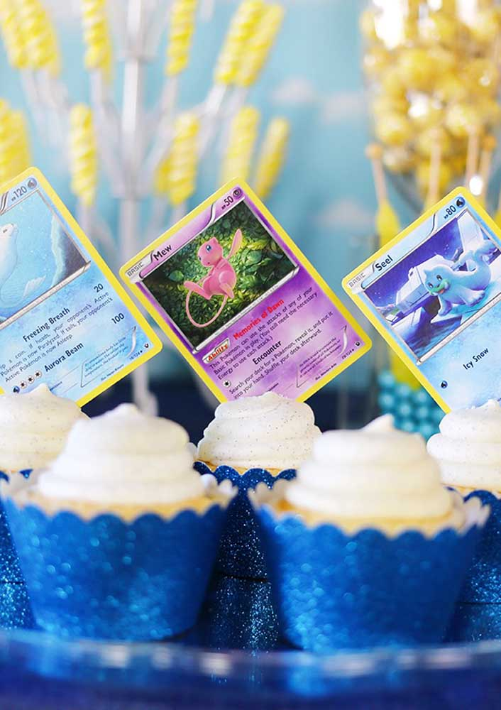 Do you already know what to put on the top of the cupcake? These personalized cards can be a great idea.