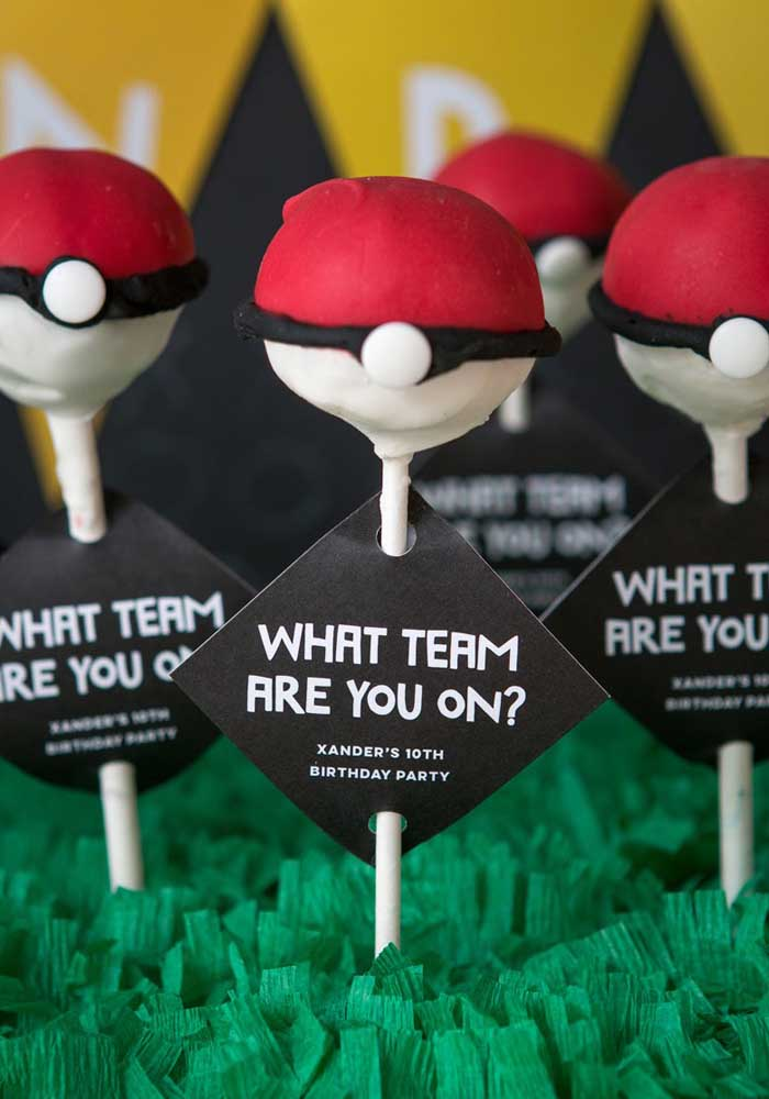 What do you think of decorating the pokemon party treats as if they were the teams in each league?