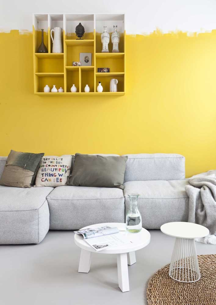 Want a different yellow wall? So bet on this model, where the brush marks are visible