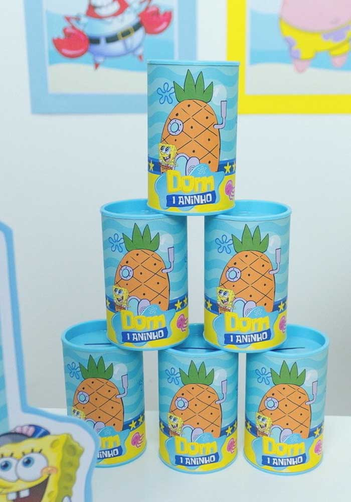 SpongeBob party souvenir option: personalized piggy banks with the character's pineapple house