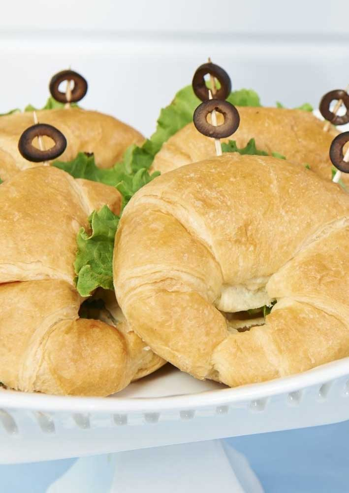 Is there a croissant there? Suggestion for the party menu