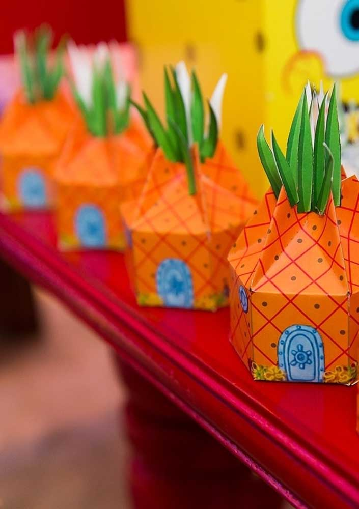 Surprise boxes with the shape of SpongeBob's house. Children will love the souvenir!