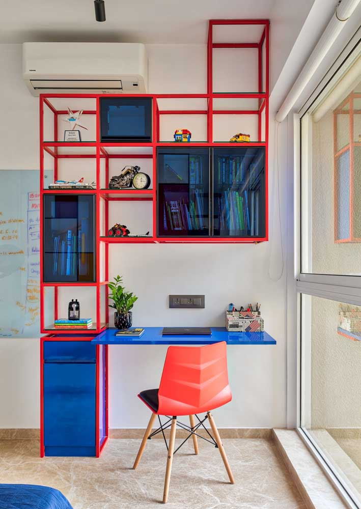 Your favorite colors to set up a modern and bold office