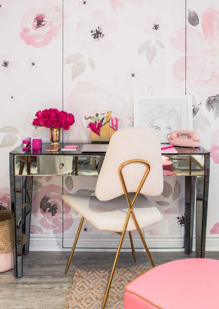 Super feminine home office. Highlight for the glass table that enlarges and illuminates the environment