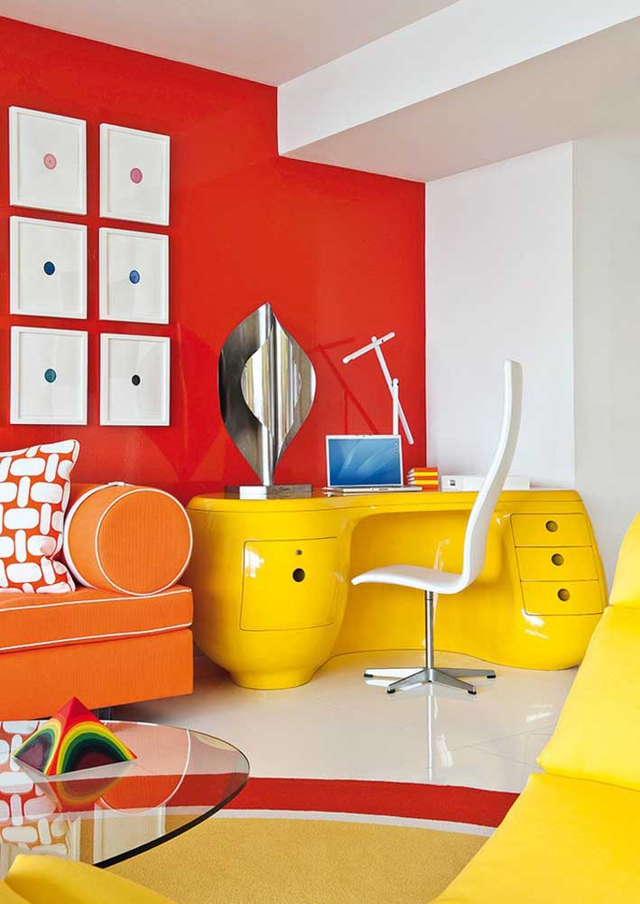 Playful and colorful: perfect office for those who need creativity and inspiration