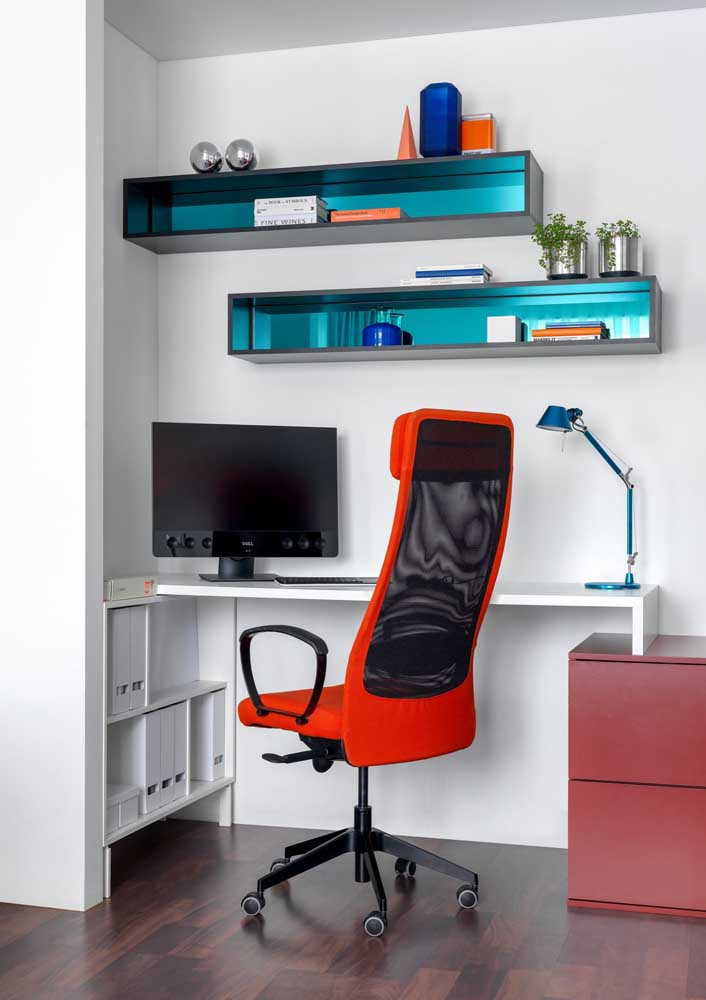Headrest also contributes to comfort in the work environment