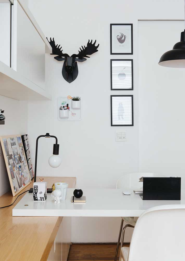 Small, modern and neutral home office