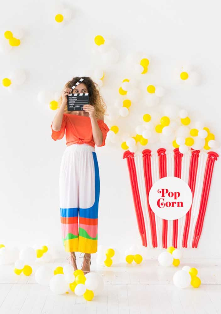 Look what a cool idea! Here, the balloons simulate popcorn