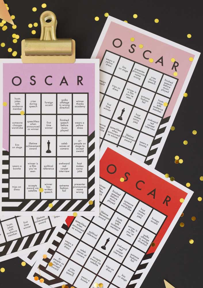 Between one film and another you can invite the guests to play, like a quizz or bingo with a cinema theme