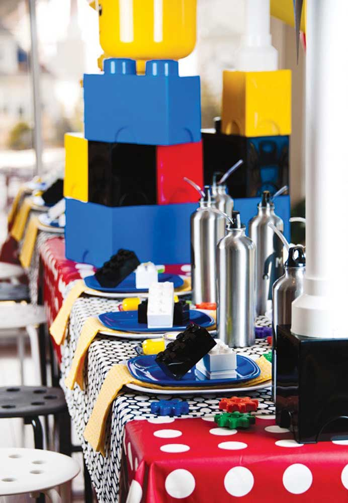 Lego blocks to decorate the table places