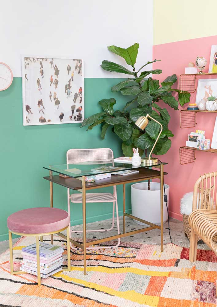 Simple and colorful home office, but without falling into distractions