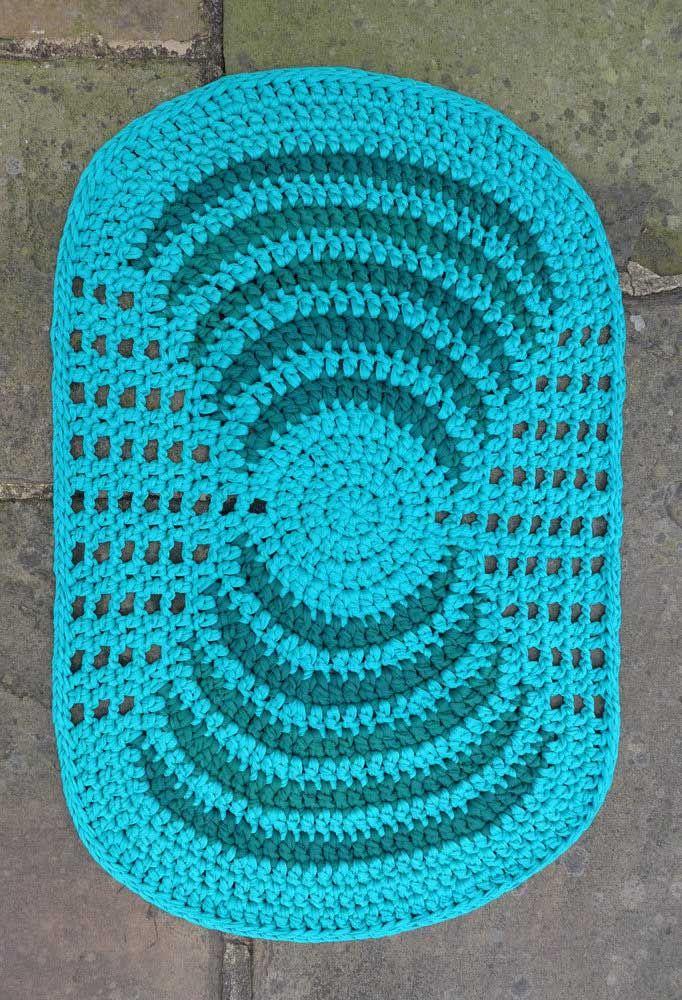 Um azul vivo e marcante para se destacar na decoração