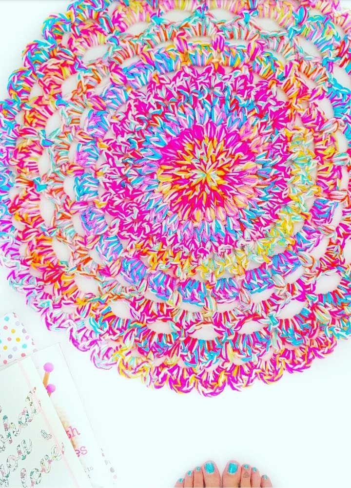 Muita cor nesse tapete para alegrar o ambiente