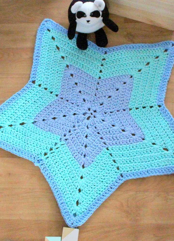 Tapete de crochê em formato de estrela para decorar o quarto infantil