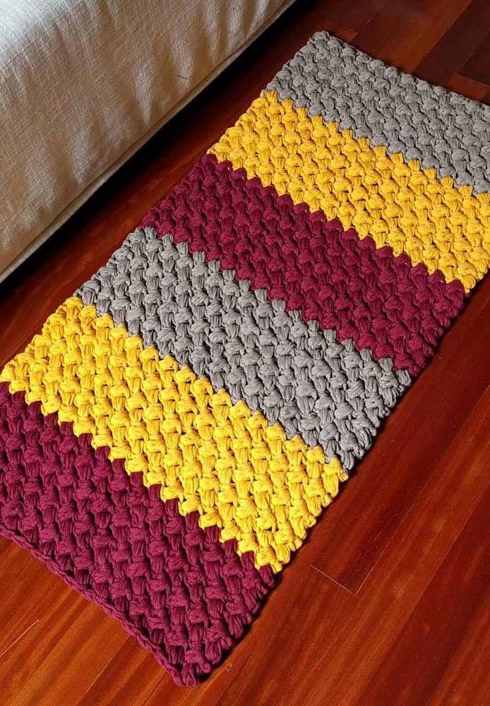 Tapete maxi crochê em três cores contrastantes