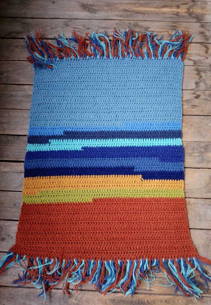 Descontração e alegria nesse pequeno tapete de crochê