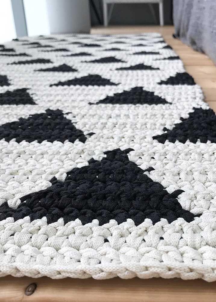 Estampa escandinava no tapete de crochê