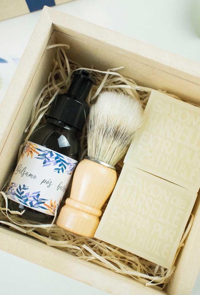 Shaving kit for the best man invitation