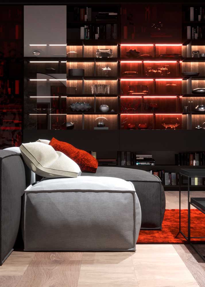 For an elegant and modern room bet on the combination of red and gray