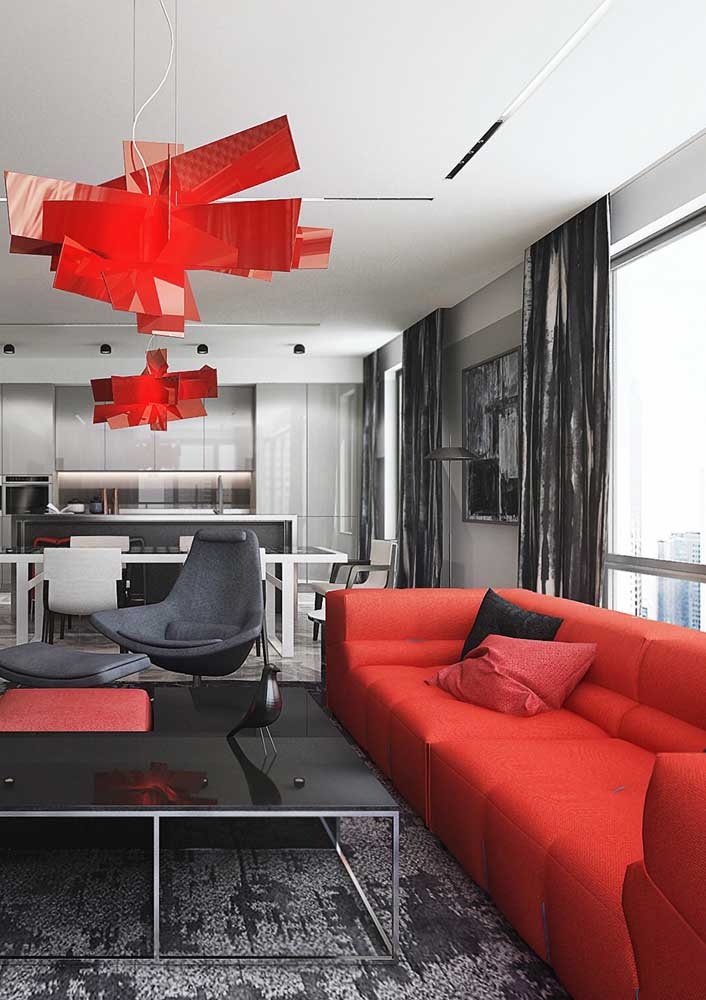 Red and black room: bold design, but without exaggeration