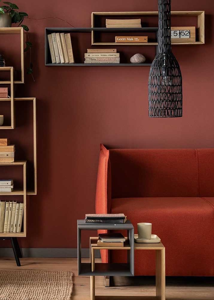 In this other project, closed red brings sophistication and elegance to the living room