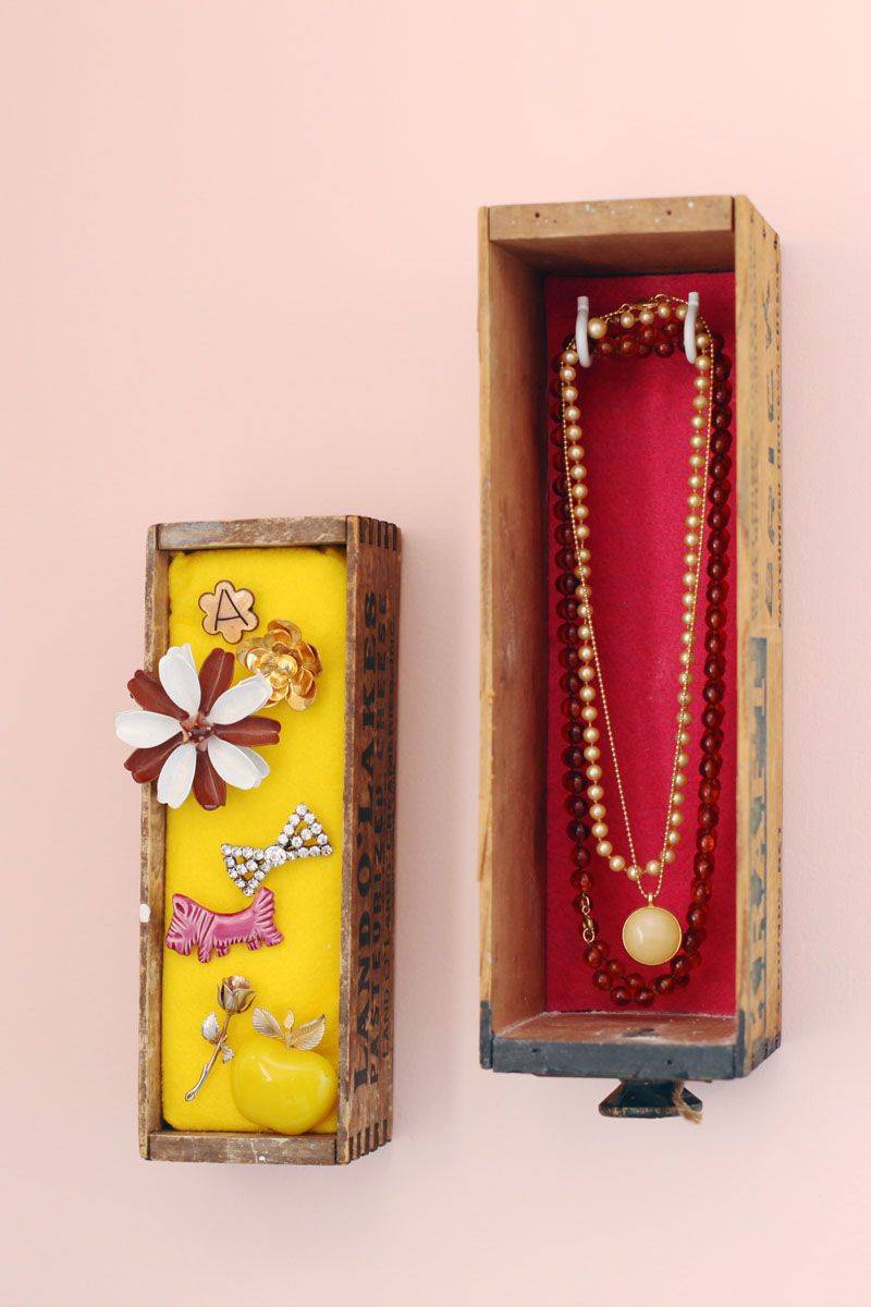 Do it yourself: jewelry box in drawer