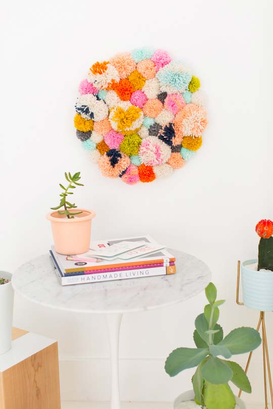 Wool pompoms! Form a cute and colorful picture with them