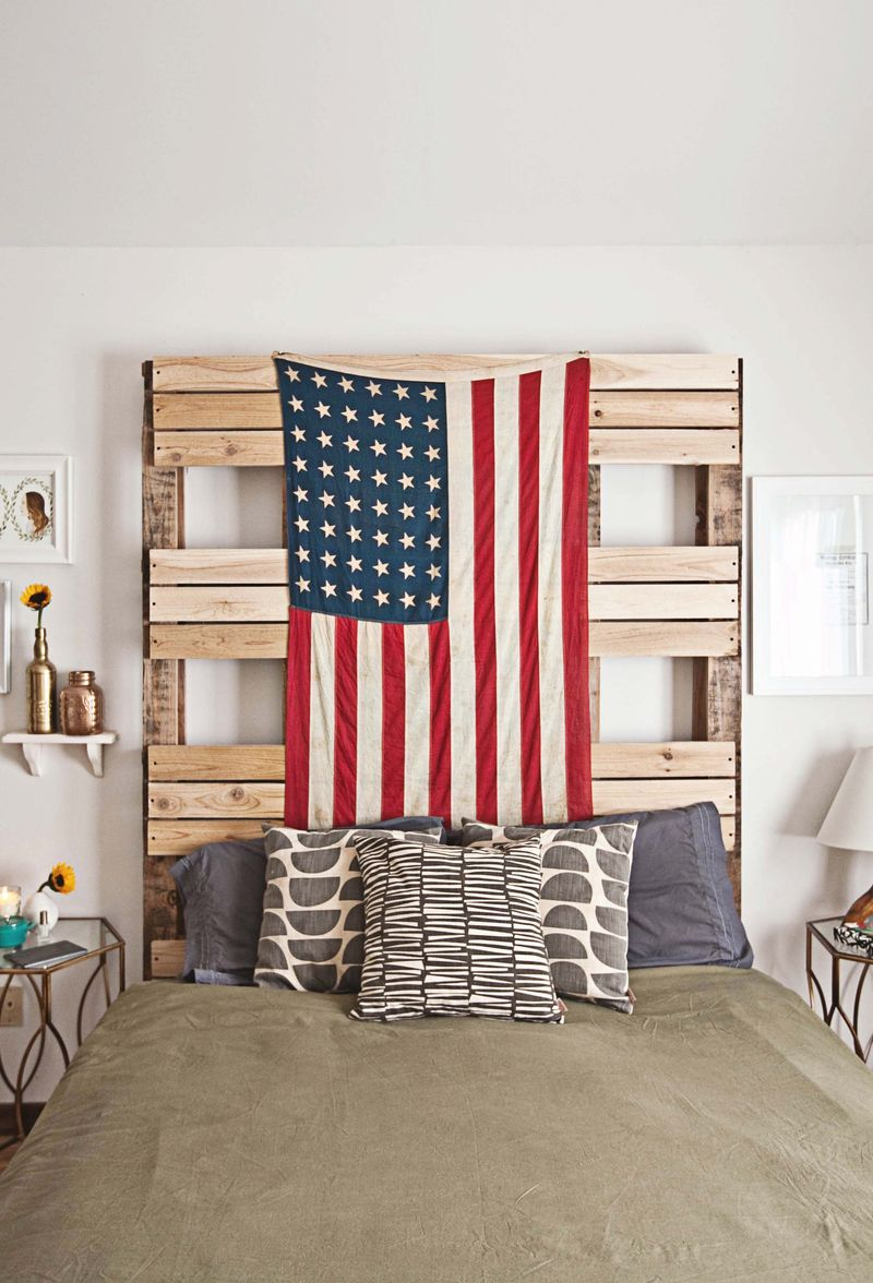 Decoration pallets