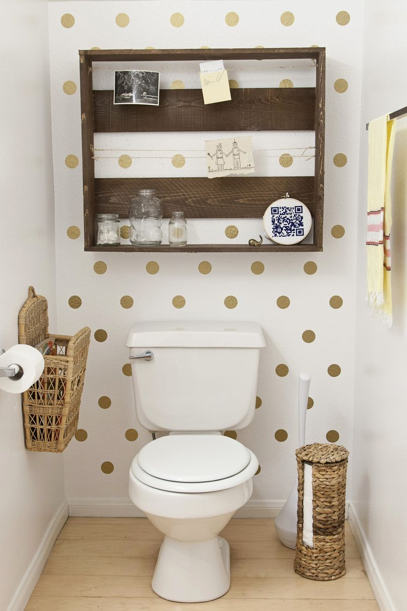 Decoration make it easy and cheap for the bathroom