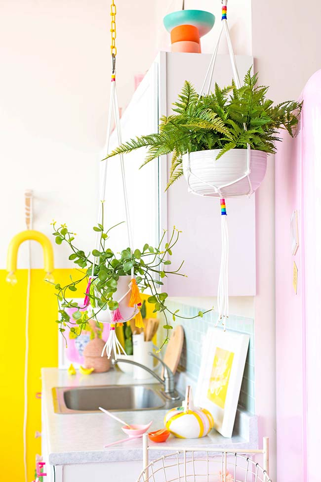 No space for plants? Hang the vases on the ceiling and make the stand yourself