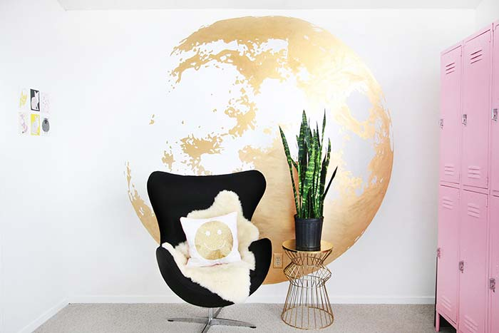 Have you ever thought about having the world in your living room? Here it was perfectly possible