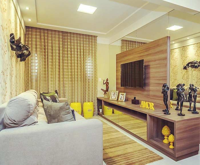 Small room decorated with mirrors to increase the feeling of spaciousness