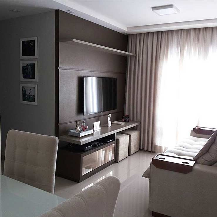 Small room decorated in neutral tones