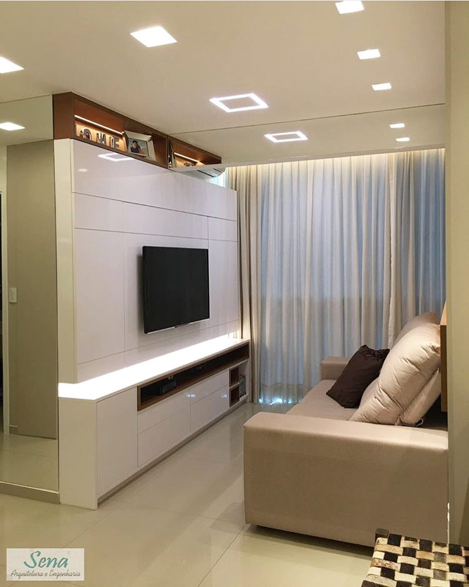 Small decorated clean room