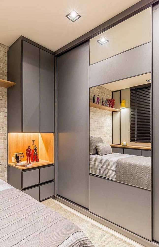 L-shaped wardrobe with mirror to optimize the space of the small double bedroom