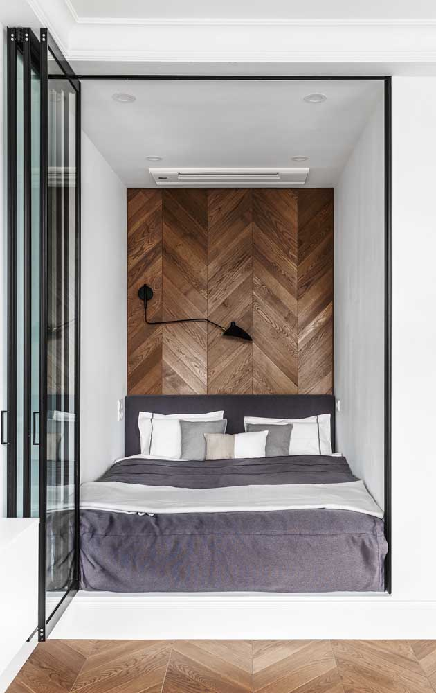 And speaking of detail, what do you think of this wooden cladding for the headboard wall?