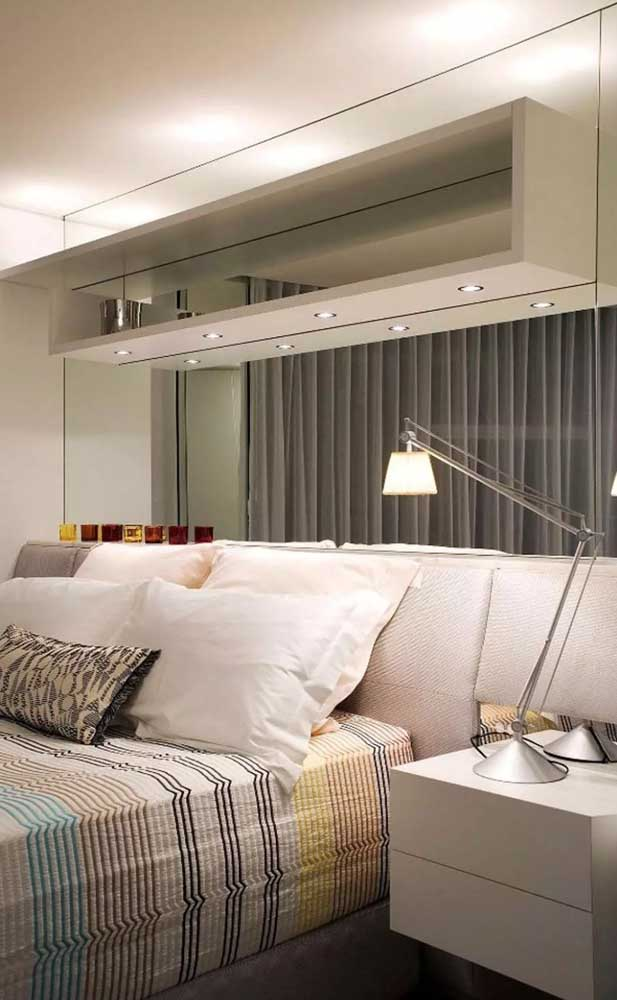 Mirrors, niches and suspended furniture: a trio of solutions for small rooms