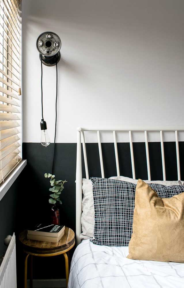 Do you like black, but the color is too much for the small room? Just paint half a wall with it