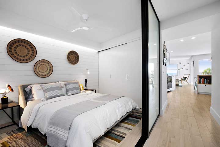Small beach-style double bedroom
